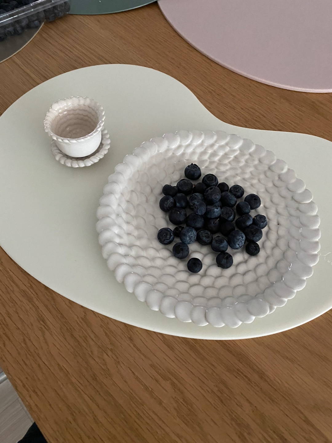 Cream jelly bean table mat